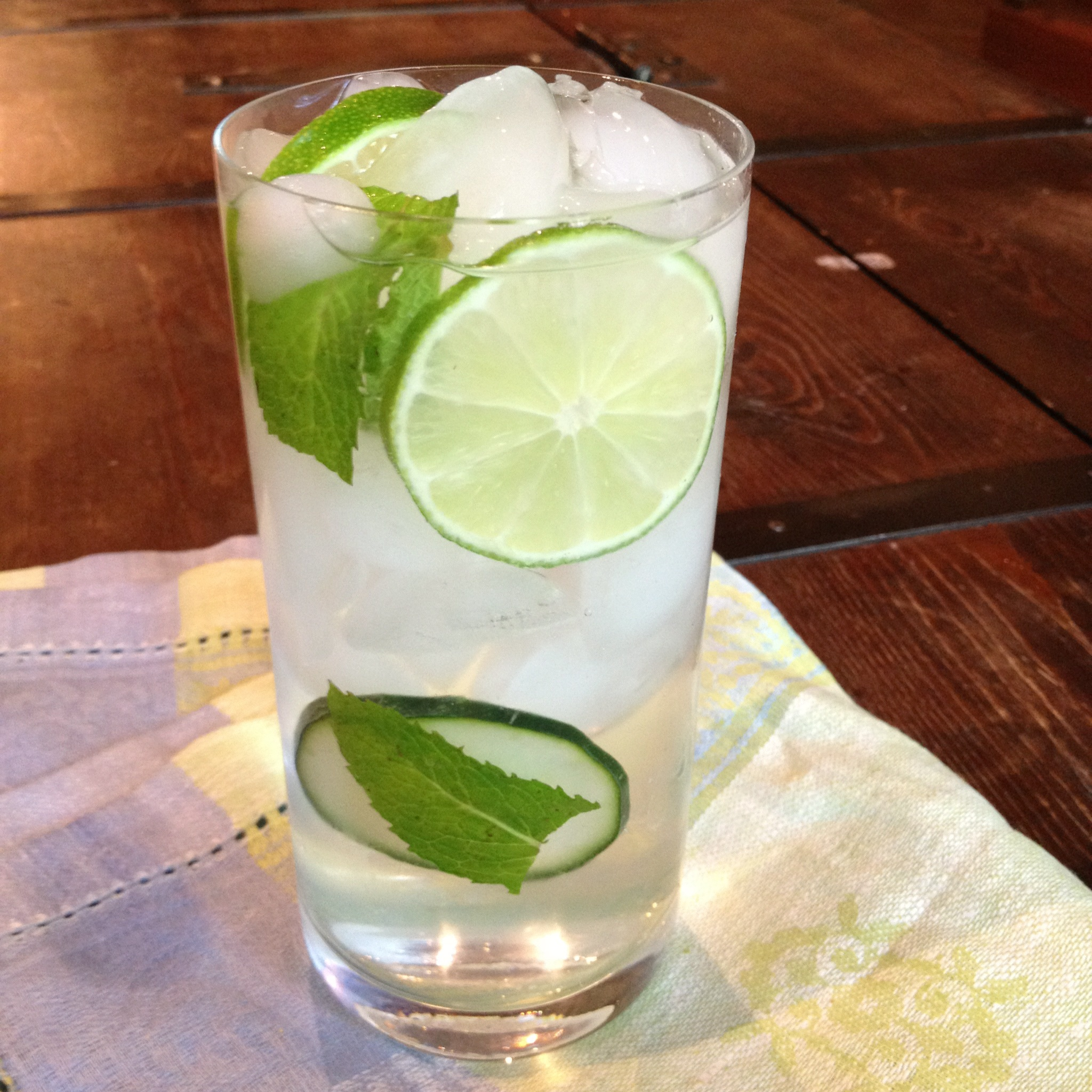 How to make lime flavored water